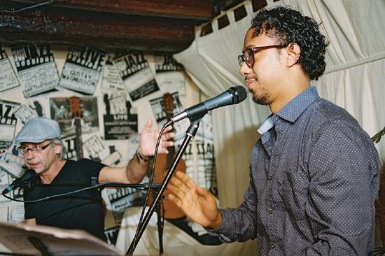 Roberto Ibiza in Cafe JW