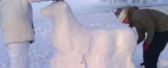 Sneeuwsculpturen in Kralingse bos