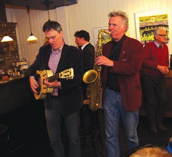 Frenk van Meeteren (gitaar) en Jos Valster (saxofoon)