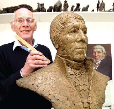 Robbert Jan Donker met borstbeeld