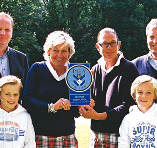 Mariëtte bij de 50 beste golfprofessionals