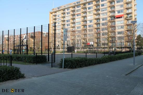 sportveld in de Robert Baeldestraat
