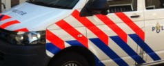 Politie zoekt naar vuurwapens aan de Bergweg