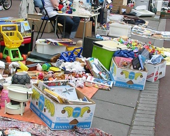 Rommelmarkt op het Heinekenterrein