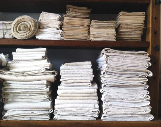Voorlopig laatste antiek, linnen en woonaccessoires verkoop
