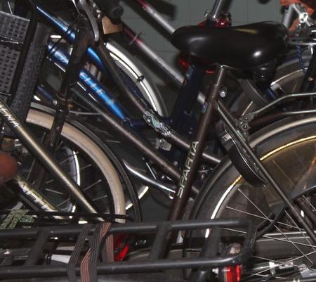 Tiener gedwongen om fiets af te staan