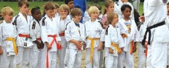 Sportschool Jayra trainde in de open lucht