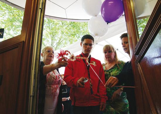 Buurt- & Activiteitencentrum De Kraal officieel geopend