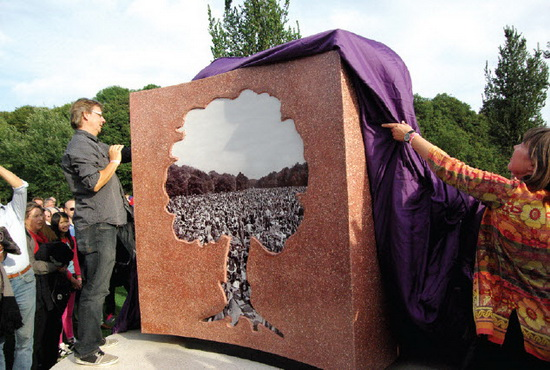 onthulling monument Holland PopFestival