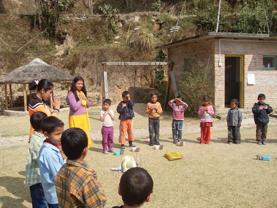 Rudolf Steiner College doet vrijwilligerswerk in Nepal