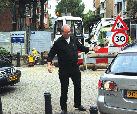Niek Elshof als verkeersagent