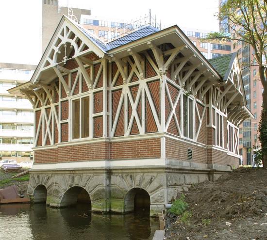 Deelgemeente, gemeente en het hoogheemraadschap van Schieland en de Krimpenerwaard slaan de handen ineen; niet alleen voor de Boezemsingel maar voor de hele waterhuishouding in de deelgemeente.