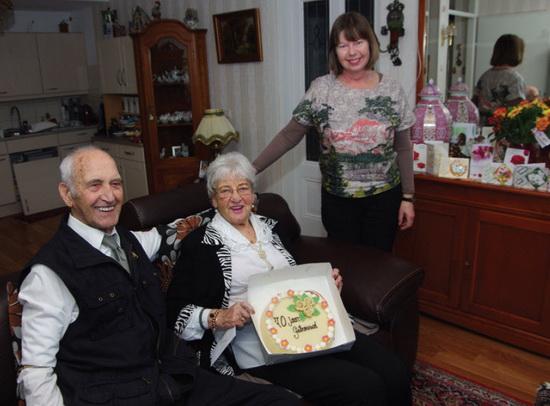 90 jaar getrouwd Ik wil wel 100 jaar getrouwd zijn'   De Ster Online 90 jaar getrouwd