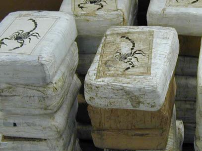 Politie vindt 35 kilo cocaïne in dubbele bodem auto op de Boezemkade