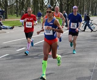 1845 foto's Marathon Rotterdam Kralingse Plas laan