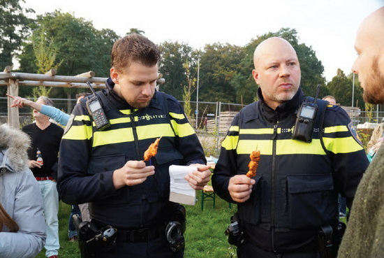 Buurtbarbecue op het Crooswijkerzand