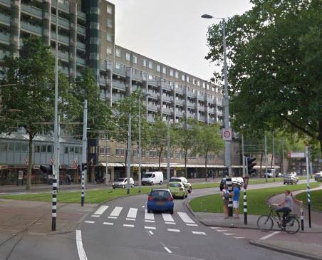 Man mishandeld op het Oostplein