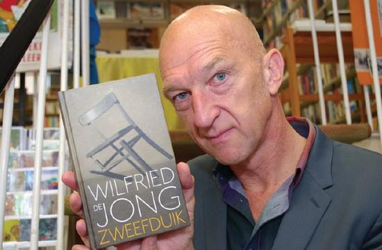 Signeersessie Wildried de Jong bij Amesz