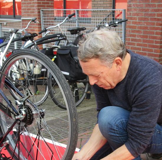 Fietsersbond repareert fietsverlichting