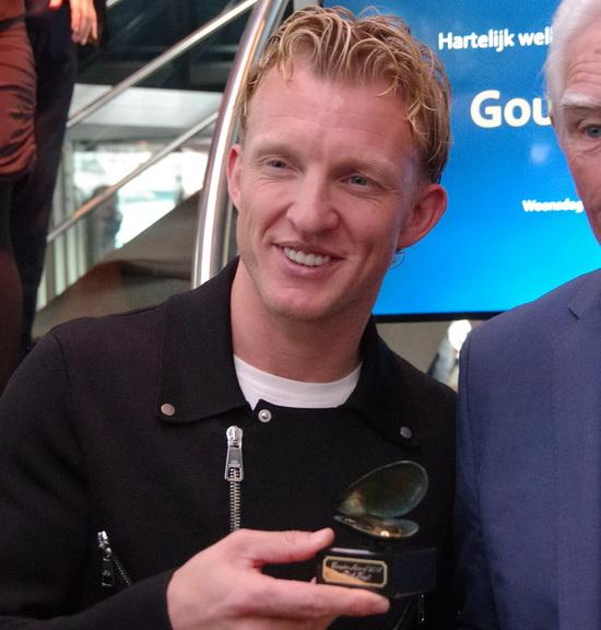 Rotterdamse voetbalheld Dirk Kuyt krijgt Gouden Mossel