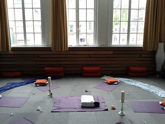 yoga-met-lef04