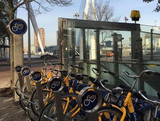 OV-fiets bij meer metrostations in Rotterdam