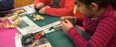 Kinderactiviteit Vogelvoer maken bij kinderboerderij de Kraal