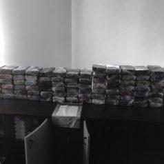 Agenten vinden ruim 250 kilo cocaïne in appartement Boezemkade