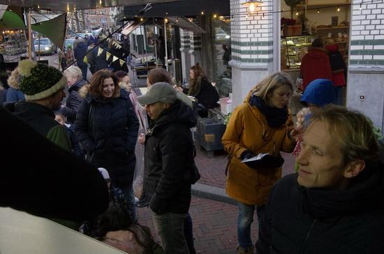Bier, Miep Kalle en worstenbroodjes bij Kerstmarkt Boulevard Kralingen 2017