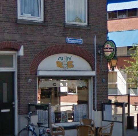Automobilist ramt café aan de Boezemstraat