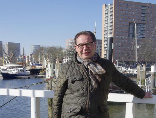 """""""De gemeente Rotterdam is een varende mammoettanker"""""""