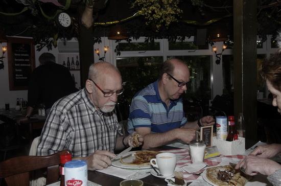 Pannekoeken eten met Dagvoorziening Hoppesteyn