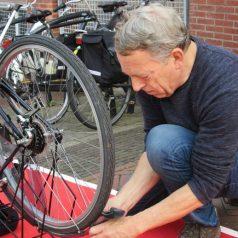 Fietsersbond en Fietsfan010 repareren fietsverlichting