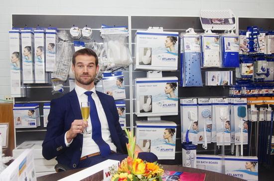 Zorgwinkel Pniël feestelijk geopend