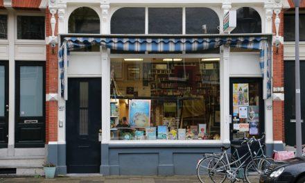 Boekhandel J. Amesz: signeersessie Anton Slotboom: Jules Deelder – de zin van het leven ben je zelf