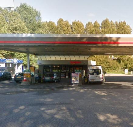 Omstanders pakken overvaller tankstation in Prins Alexander