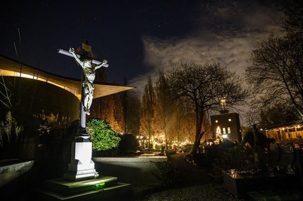 'Kerstlichtjesavond' R.K. Begraafplaats & Crematorium St. Laurentius