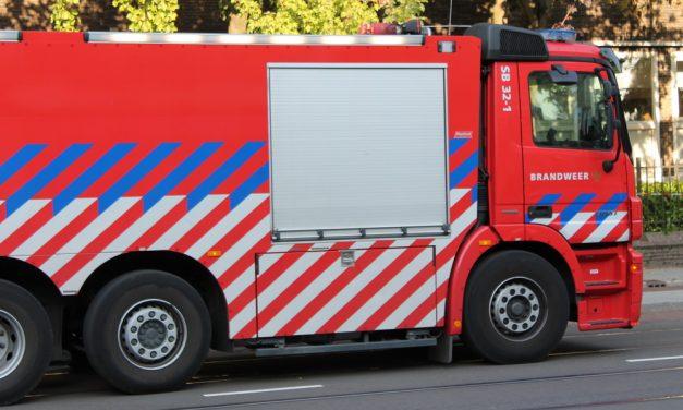 Auto gaat in vlammen op in Crooswijk