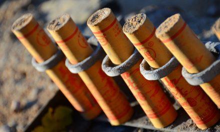 Hulpverleners beschoten met vuurwerk op Oudedijk