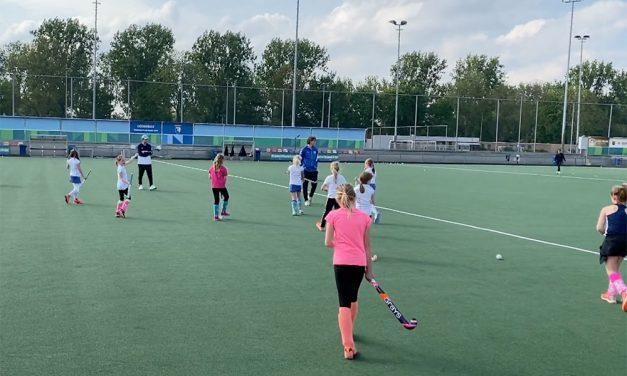 Trainingen kinderen en jeugd weer begonnen bij hockeyclub Leonidas