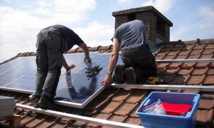 Recordgroei zonnepanelen in Rotterdam: verdubbeling in 2 jaar tijd