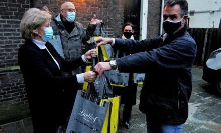 Winkeliers Lusthofstraat doneren aan Voedselbank