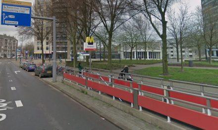 Metro op station Oostplein ontruimd na rook onder voertuig