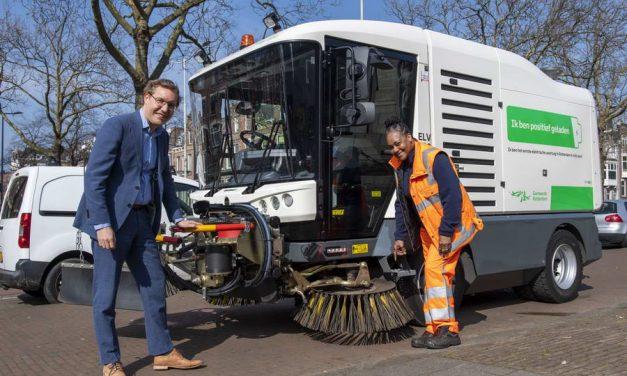 Wagenpark Gemeente Rotterdam weer schoner met nieuwe elektrische veegmachine