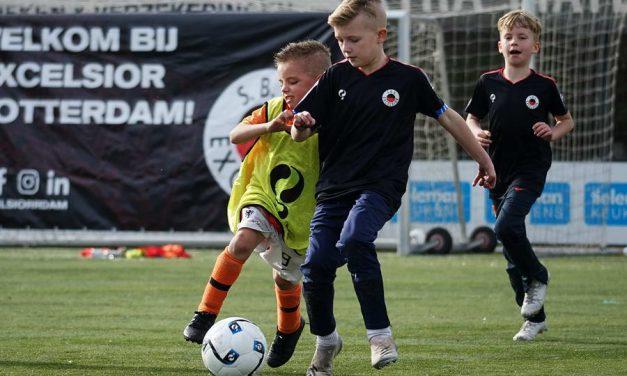 Excelsior Voetbaldagen voor jongens en meiden in meivakantie bij Sportclub Excelsior en XerxesDZB