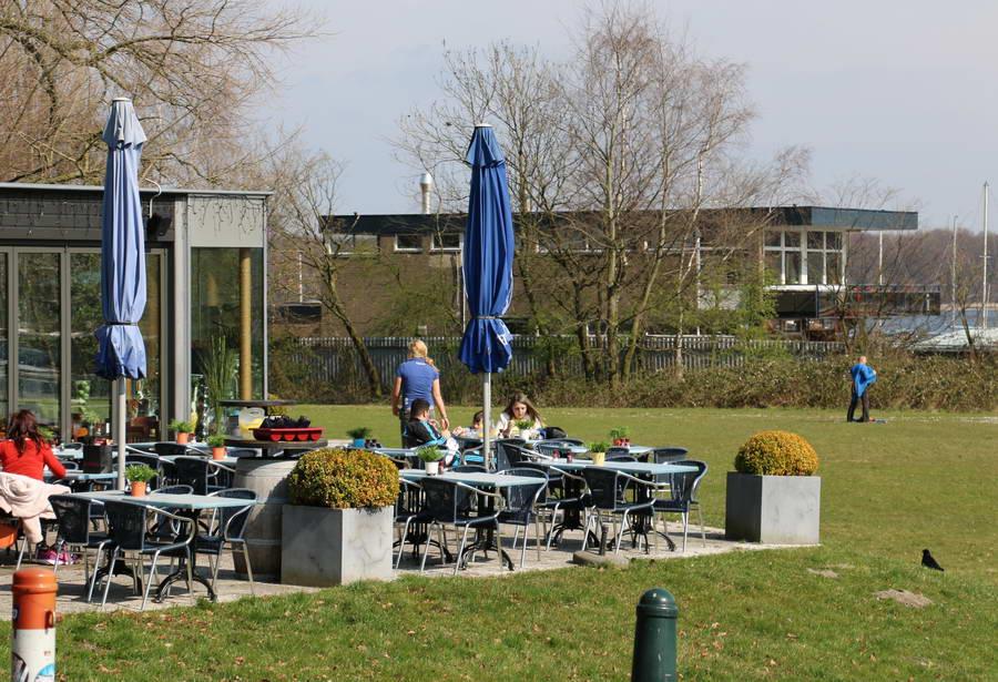 Oproep Aboutaleb: 'Terrassen en Diergaarde Blijdorp moeten zo snel mogelijk open'