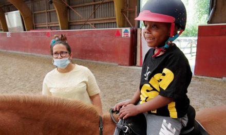 Paardrijden bij Rijvereniging De Hazelaar