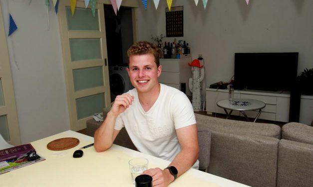 Crewer Karst Nicolai ervoer openbaring van het internationale leven