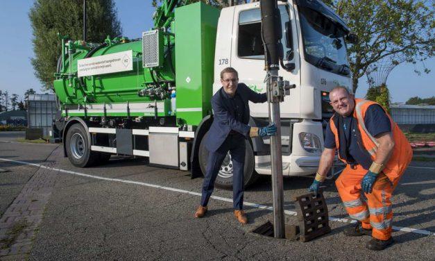 Wereldprimeur: Eerste kolkenzuiger op waterstof rijdt vanaf nu in Rotterdam