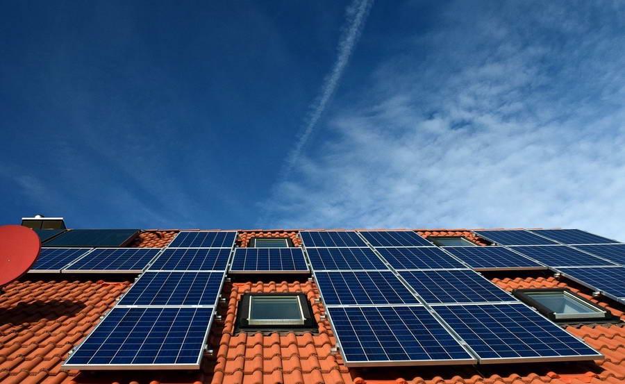 Aantal zonnepanelen in Rotterdam groeit exponentieel